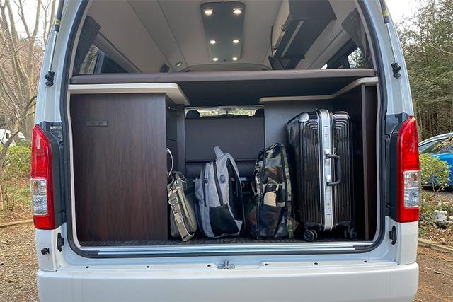収納スペース満載で色々なアイテムを積み込むことができます