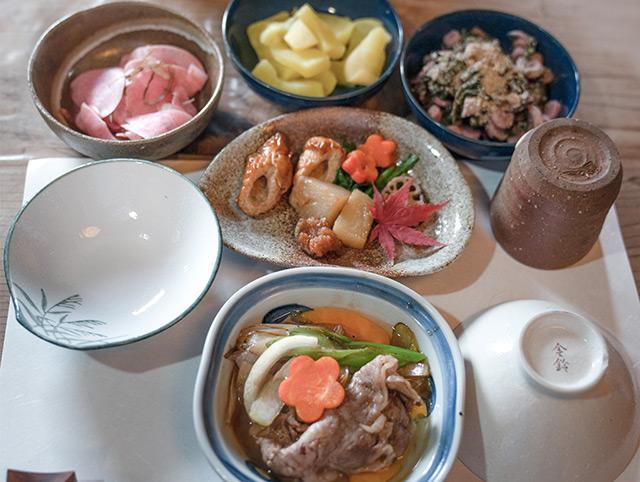 朝食はおばあちゃん手料理の日本食