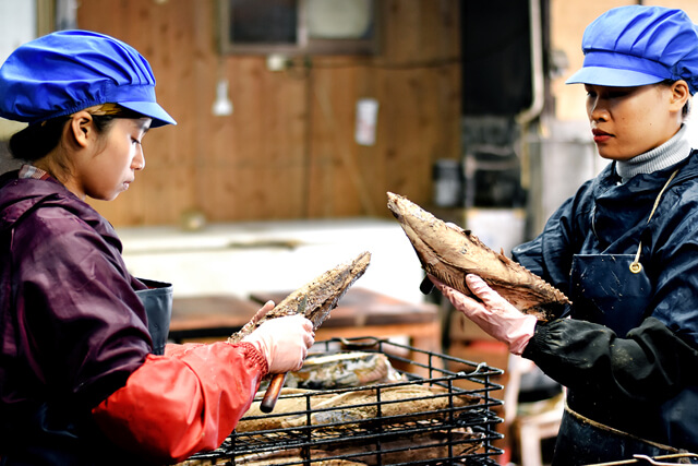 鰹節工場ツアーに参加