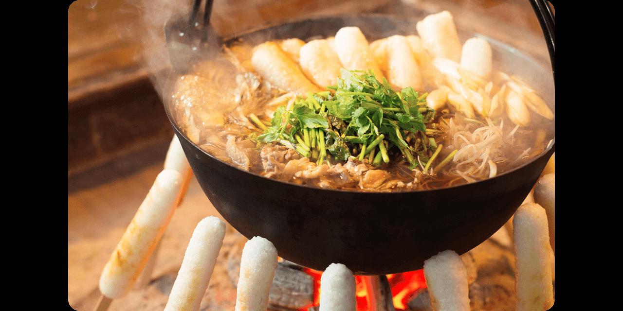 地元食材をふんだんに使った「きりたんぽ鍋」を堪能