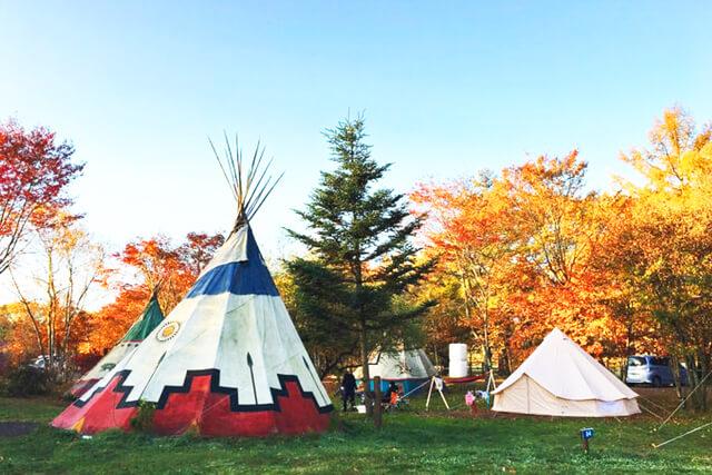 おすすめキャンプ場や役立つ情報が、hinataのWebサイトに盛りだくさん