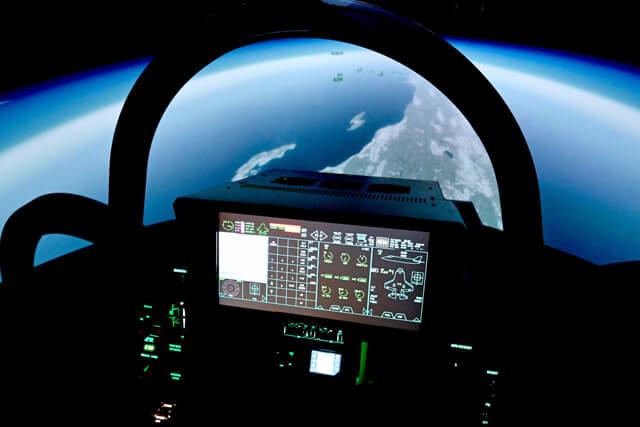 3種のフライトシミュレーターで編隊飛行も可能
